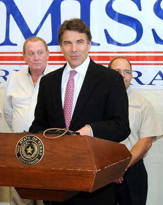 Governor Rick Perry comes to Mission Restaurant Supply.
